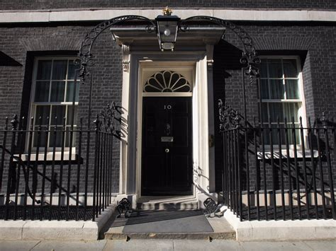10 downing front door why 10 downing is painted black business insider