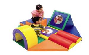 developmental baby toys little gyms | bellebebeblog.com
