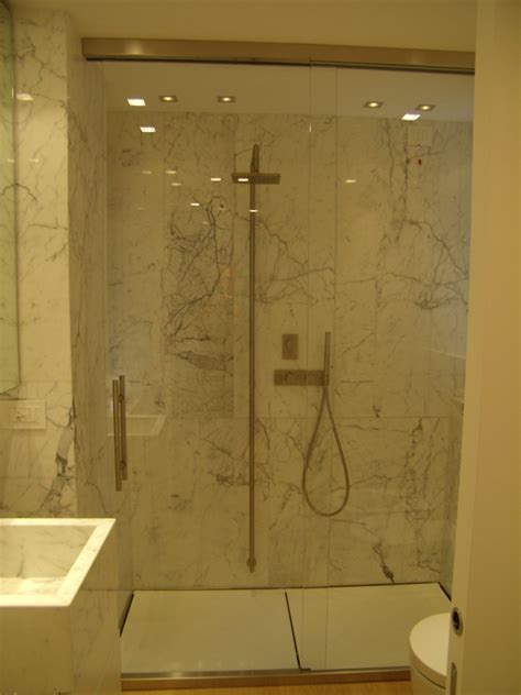 pareti doccia in cristallo foto box doccia in marmo di carrara pareti e porte in