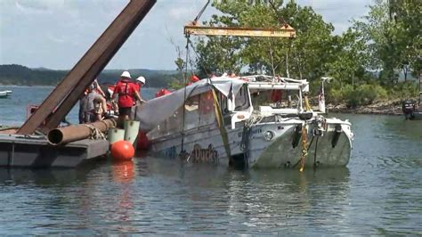 duck boat news duck boat wreckage retrieved from lake days after fatal