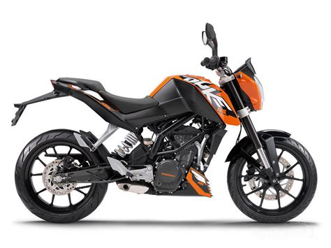 Ktm Duje 125 Ktm Duke 125 Learning To Ride Streetwise Motorbike