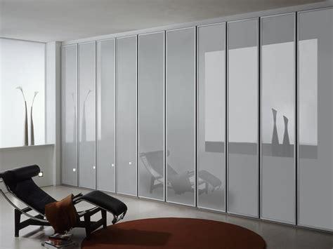 armadio con ante in vetro armadio con ante in vetro opaco per la casa e l ufficio