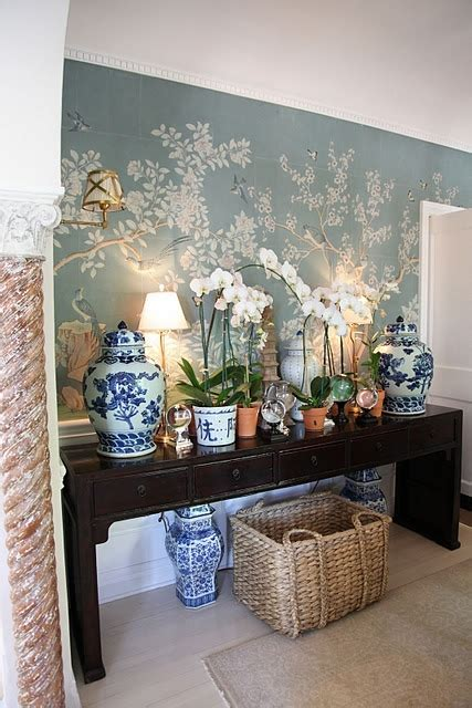 mark sikes beautiful chinoiserie chic weekend find displaying blue and white