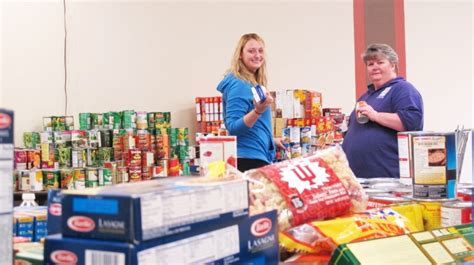 Forest Park Food Pantry by Food Pantry Gears Up For Thanksgiving Articles News
