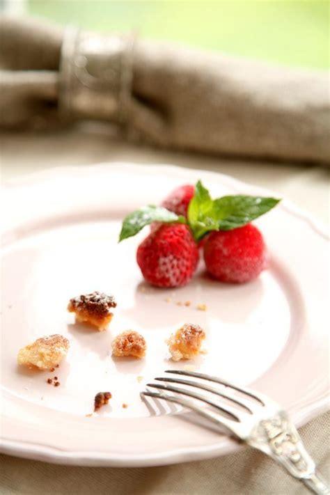 rhabarberkompott kuchen rezept rezept marzipan streuselschnitten mit rhabarber erdbeer