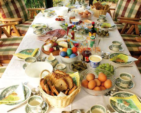 tavola imbandita per pasqua pasqua 2016 feste con il segno meno celebrazioni a casa