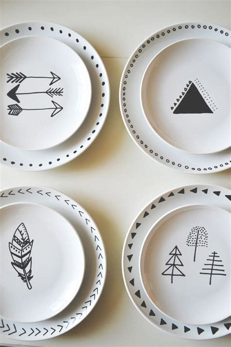How To Decorate Dinner Plates by Diy Decorated Plates Diy Plates Diy