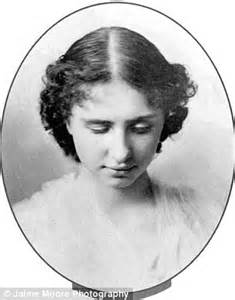 Mother Shuns Disney Princess Ideal And Dresses Daughter Up Helen Keller Pictures When She Was Younger Coloring Pics