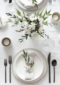 kitchen table setting ideas 25 best ideas about dining table decorations on