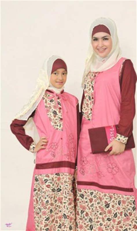 Model Baju Muslim Ibu Dan Anak Perempuan 30 model baju muslim ibu dan anak perempuan terbaru