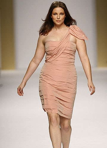 Sophisticated Styles Size 12 by La Moda Vuole Le Curve E Gli Stilisti Disegnano Capi