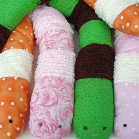 felt worm pattern worm pattern for free easy too i think i ll make it