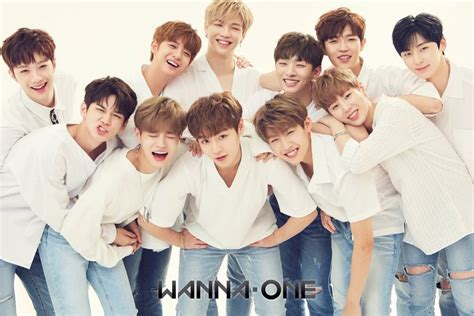 Wanna One | wanna one smile brightly in group profile image