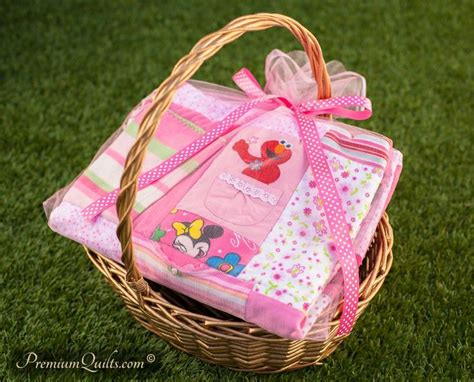 Turn Baby Clothes Into Quilt by Turn Outgrown Baby Clothes Into Beautiful Quilt At Http