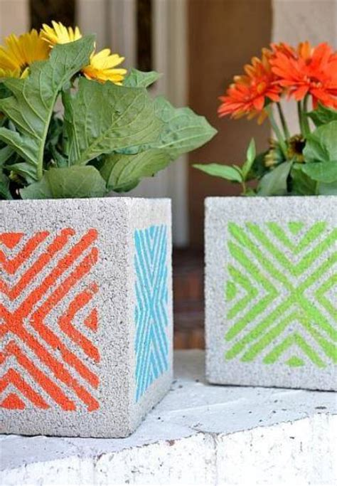 brilliant diy garden projects  cinder blocks