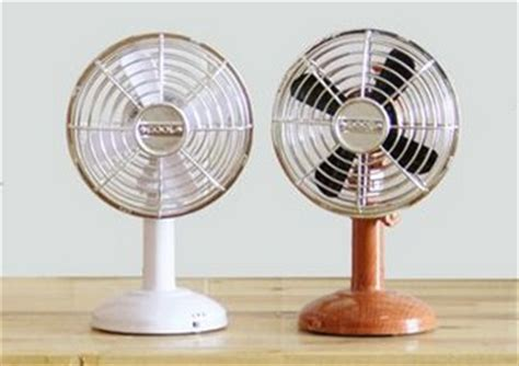 Small Oscillating Desk Fan Vintage Wood Grain Table Fan Liftable And Lowerable Small Battery Fan Oscillating Fan Mini Usb