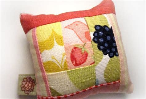 Patchwork Pincushion - log cabin patchwork pincushion success