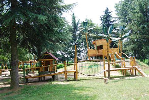 giochi per parchi e giardini pardes verde parchi giardini e distributore giochi