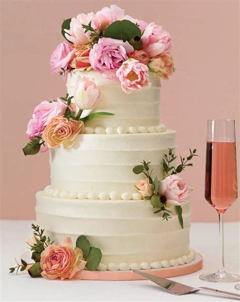 Wedding Cakes With by New Wedding Trend Wedding Cakes With Flowers