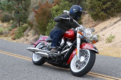 hd review 2018 harley davidson deluxe review 10 fast facts