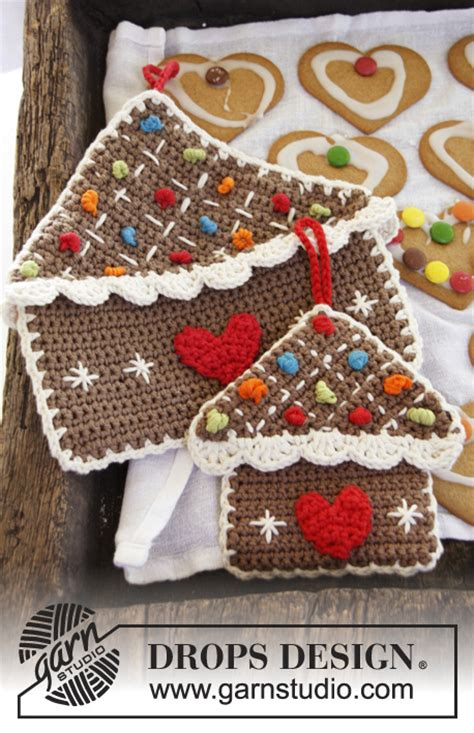 pattern gingerbread house free gingerbread house pot holder crochet pattern allcrafts