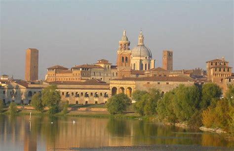 Italian Garden Mantua by Italian Hotel Barge La Vita Barging River Cruises