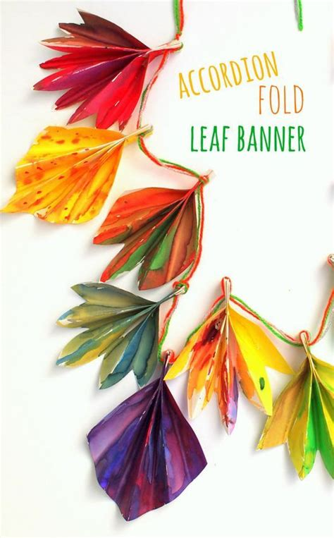Autumn Paper Crafts - gorgeous accordion fold fall paper leaf banner paper