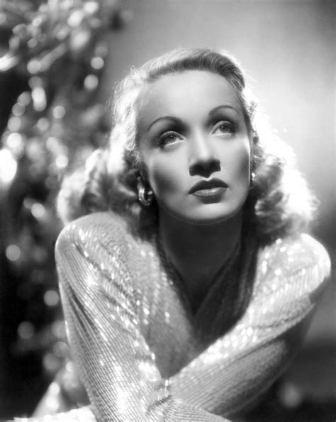 classic hollywood fashion icons that everyone loves beauty glitch marlene dietrich annex2