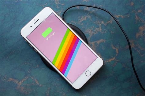 iphone   analisis poder de avanzada en  diseno muy