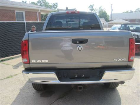 dodge ram 1500 bed liner find used 2005 dodge ram 1500 gray 4x4 crew cab 5 7 hemi