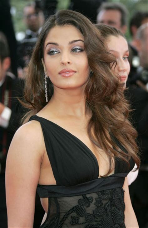 related pictures aishwarya rai wedding hairstyle bridal makeup 25 best ideas about pakistani hair style on pinterest
