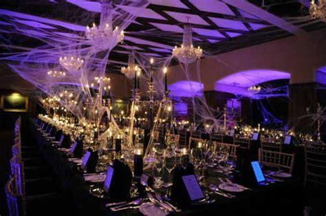 13 Enchanting Halloween Wedding Ideas   LinenTablecloth