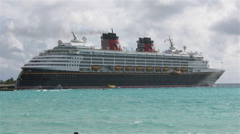 cruise ship the world largest cruise ship in the world today facebook punchaos com