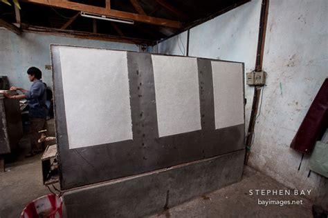 Handmade Factory - photo drying paper on water heaters at the jungshi