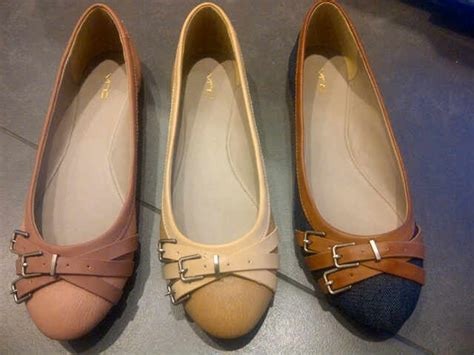 Sepatu Flat Pink 301 moved permanently