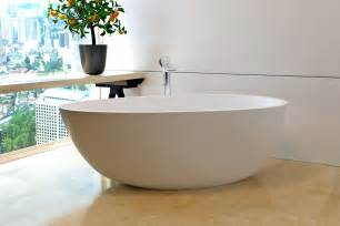 in a bathtub aquatica spoon 2 purescape 204am egg shaped freestanding