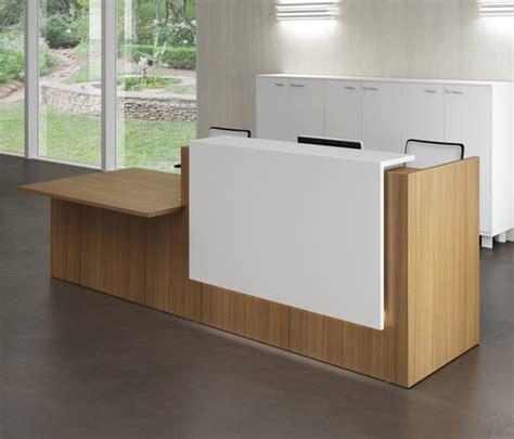 Z2 Reception Desk Z2 Reception Desks From Quadrifoglio Office Furniture Architonic