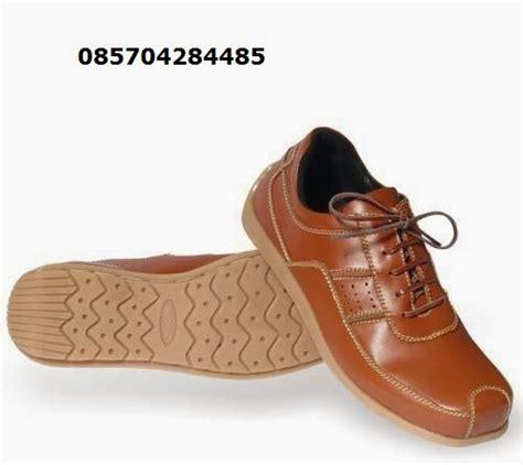 Sepatu Kickers Pantofel 76 daftar harga sepatu pantofel pria salmon mk sepatu pantofel pria