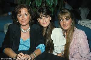 what does kyle richards do to make her hair look thicker kyle richards says meeting niece nicky hilton s baby