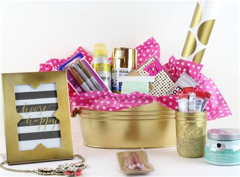 Favorite Things Giveaway - the creative collection link party classy clutter