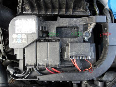 Motorrad Batterie Unterschiede by Batterie1 Batterie Wechseln Anleitung Vw Fox 203413624