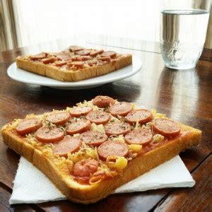 bahan membuat pizza keju cara membuat pizza roti tawar mudah enak dan lezat resep
