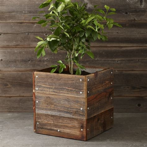 Wood For Planter Boxes by 1000 Ideas About Wood Planter Box On Planter