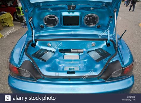 car stereo lifiers and sound system in the boot of a