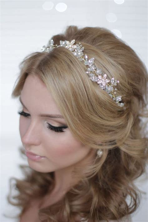 Wedding Hairstyles For Hair With Headpiece by 32 Beautiful And Refined Bridal Hair Vine Ideas