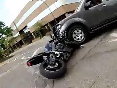 Motorrad Ohne Anmeldung Zum T V motorrad crash idiot am steuer ohne chance abger 228 umt