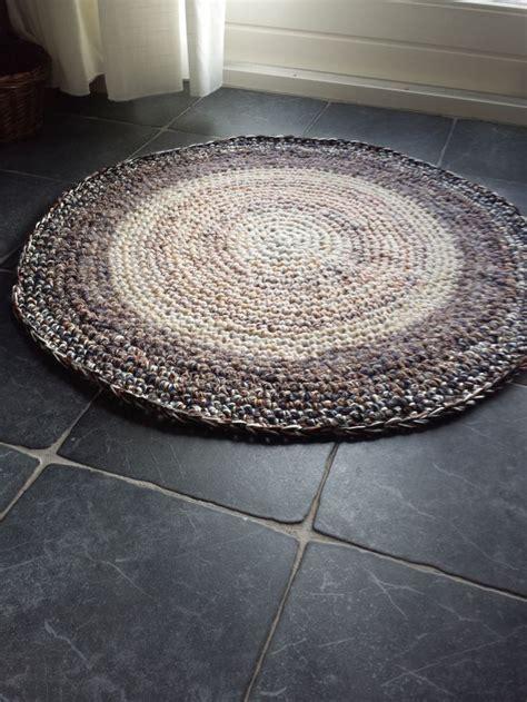 2 vloerkleden aan elkaar maken 25 beste idee 235 n over vloerkleed haken op pinterest