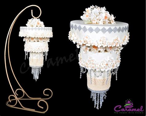 cake chandelier 25 best ideas about chandelier cake on rosebud cakes unique cakes and pastel