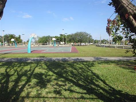 Snappers Miami Gardens by Miami Gardens Pictures Traveler Photos Of Miami Gardens Fl Tripadvisor