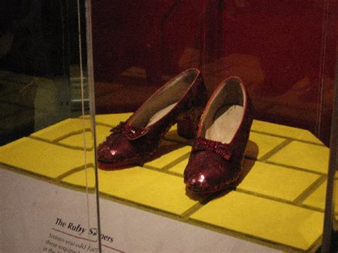 which smithsonian has ruby slippers the of tour guide kogod graduate insider